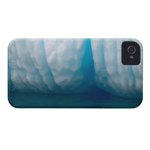 Viewing icebergs in blue in the Errera Channel Blackberry Case