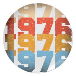 VINTAGE 1976 PLATE