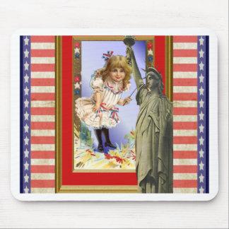 Vintage American patriotic illustration Mouse Pad
