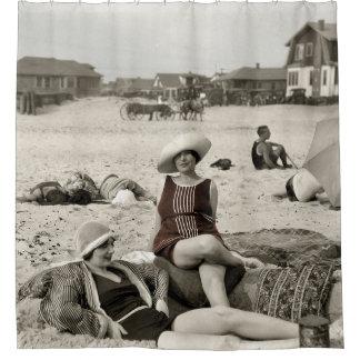 VINTAGE BEACH SCENE - 1920s