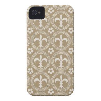 Vintage Brown And White Fleur Delis Case-Mate iPhone 4 Case