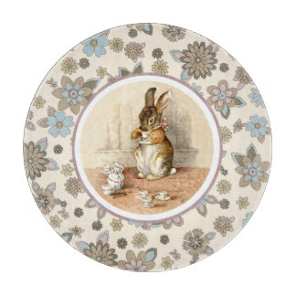 Vintage Bunny. Easter Gift Cutting Board