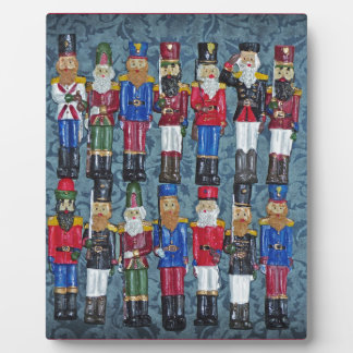 Vintage Christmas Figures, old soldiers Plaque
