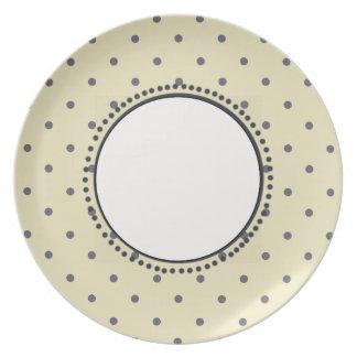 Vintage_Cream_Gray-Polka_Dots(c)Gray-Cream Plate