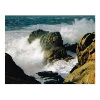Vintage France, Bretagne,  Rough sea on the rocks Postcard