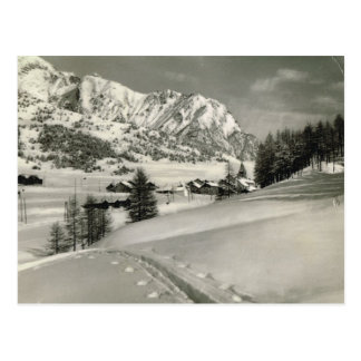 Vintage France  Mountain scene in winter Postcard