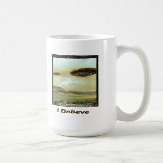 "Vintage ""I Believe"" UFO Mug"