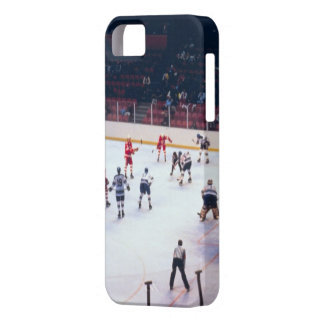Vintage Ice Hockey Match iPhone 5 Cover