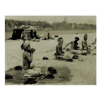 Vintage India, Taj Mahal, Hindu holy men Postcard