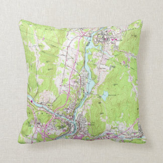 Vintage Lebanon & Hanover New Hampshire Map (1959) Throw Pillow