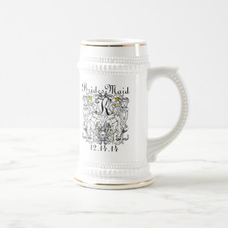 Vintage Lion Rampant White With Gold Crowns,Tongue 18 Oz Beer Stein