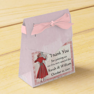 Vintage Look Dancing Couple Favor Box