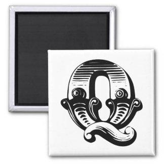 Vintage look letter Q square magnet