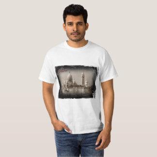 Vintage Paris: Sacré Coeur T-Shirt