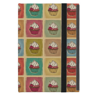 Vintage pattern made of cupcakes iPad mini case