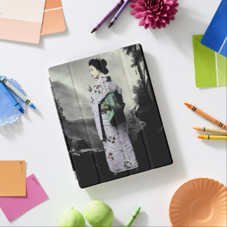 Vintage Photograph:  Geisha Girl iPad Cover
