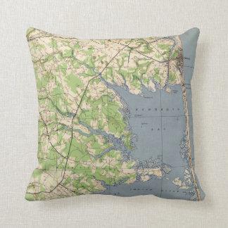 Vintage Rehoboth & Bethany Beach DE Map (1944) Throw Pillow