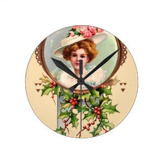 vintage-santa-christmas-post-cards-0019 round clock