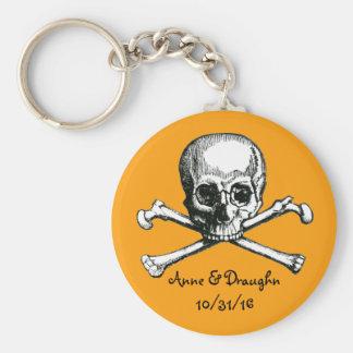 Vintage Skull & Crossbones Custom Halloween Favor Basic Round Button Keychain
