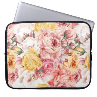 Vintage spring floral bouquet grunge pattern laptop sleeve