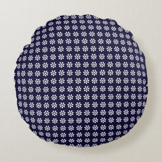 Vintage Style White Flower Pattern on Navy Blue Round Pillow