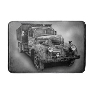 VINTAGE TRUCK IN BLACK AND WHITE BATH MAT