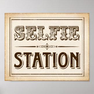Vintage Western SELFIE STATION Sign Print