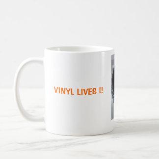 VINYL LIVES !! COFFEE MUG
