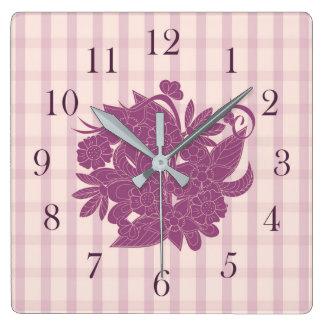 violet square pattern with bouquet floral horloge carrée