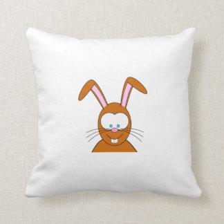 Visage de lapin de bande dessinée oreillers