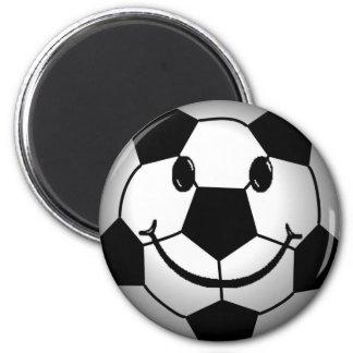 Visage de smiley de ballon de football magnet rond 8 cm