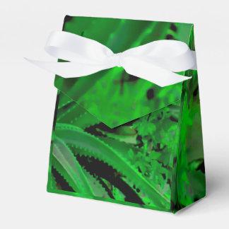 Vivid Tropical Design Favor Box