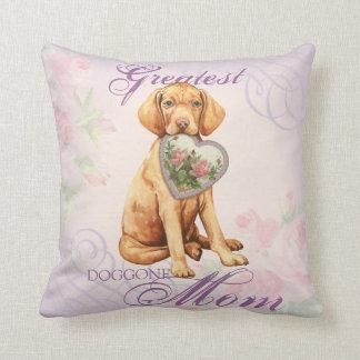 Vizsla Heart Mom Throw Pillow