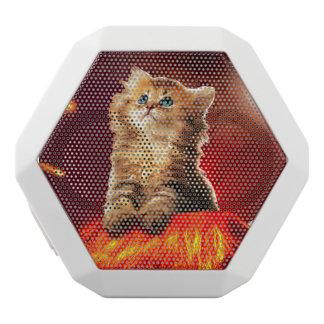 volcano cat ,vulcan cat , white bluetooth speaker