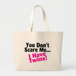 Vous ne m effrayez pas que j ai des filles de jume sacs en toile