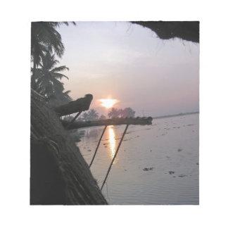Vue de lever de soleil d une fenêtre de blocs-notes mémo