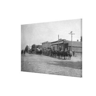 Vue des équipes de chariot de cheval sur la rue impressions sur toile