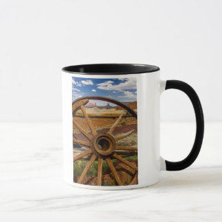 Wagon wheel close up, Arizona Mug