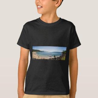 waimea bay panorama T-Shirt