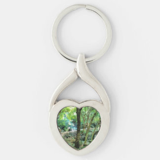 Walking through the forest Silver-Colored twisted heart keychain