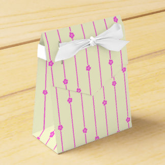 Wall Flowers Favor Box