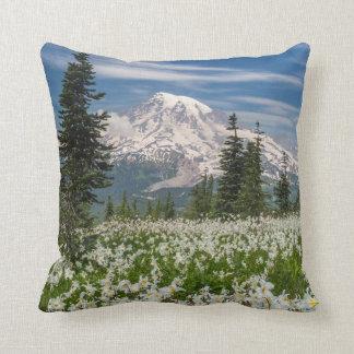 Washington, Mount Rainier National Park 1 Throw Pillow