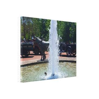 Water Fountain Sculptur Horse Statue Vintage Autos Canvas Print