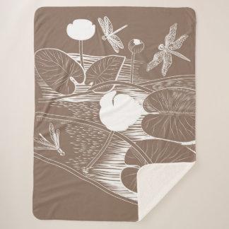 Water-lilies engraving sherpa blanket