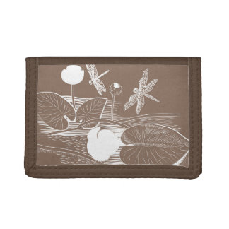 Water-lilies engraving tri-fold wallet
