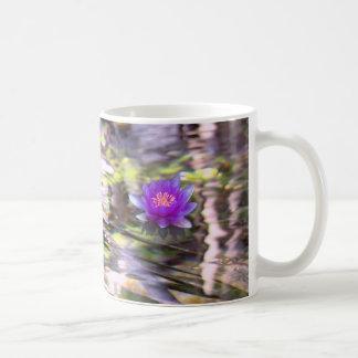 Water Lilies Floating mug 01