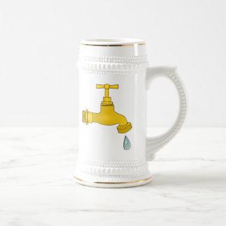 Water Spigot 18 Oz Beer Stein