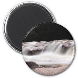water wonder art magnet