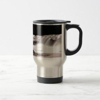 water wonder art travel mug