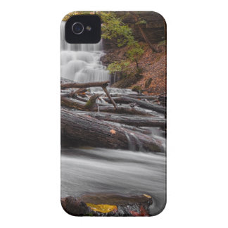 Waterfall 3 iPhone 4 cases